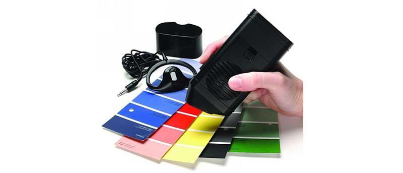 Détecteur de couleurs parlant pour aveugle ou malvoyant